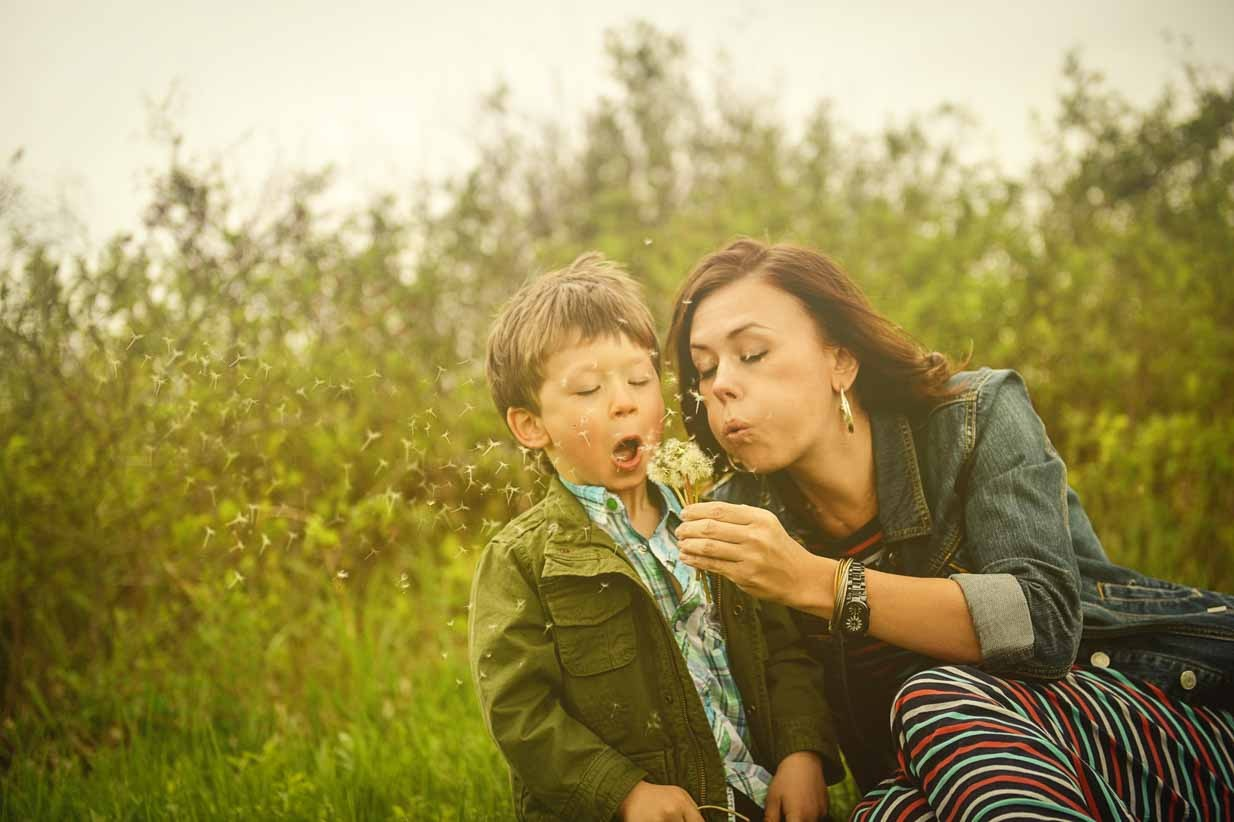 Dandelion Blow | Calgary Family Photographer | SLIVER Photography