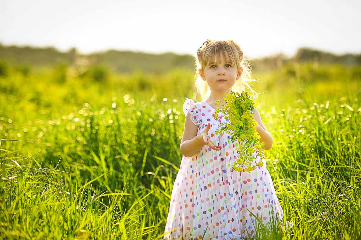 In the Grass | Calgary Family Photographer | SLIVER Photography