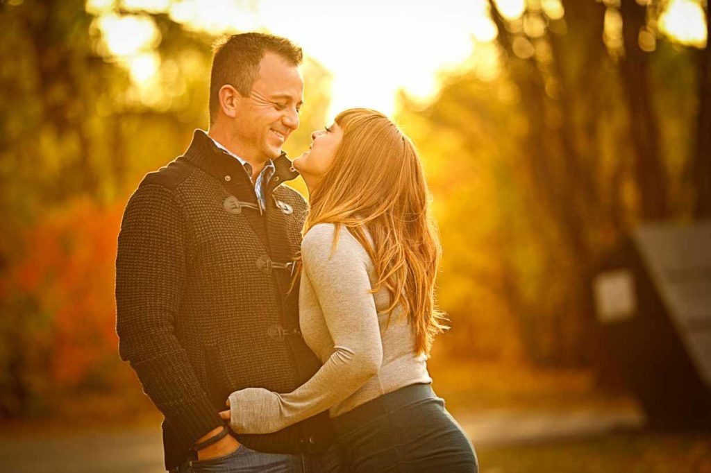Kiss me in the Sunset | Calgary Family Photographer | SLIVER Photography