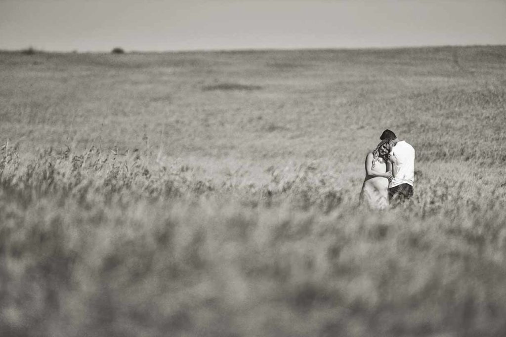 Wheat field | Calgary Maternity Photographer | SLIVER Photography