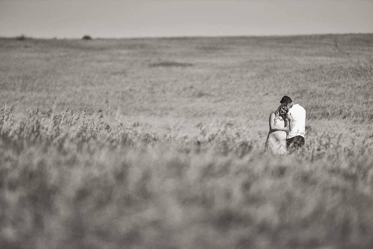 Wheat field | Calgary Maternity Photographer | SLIVER Photography