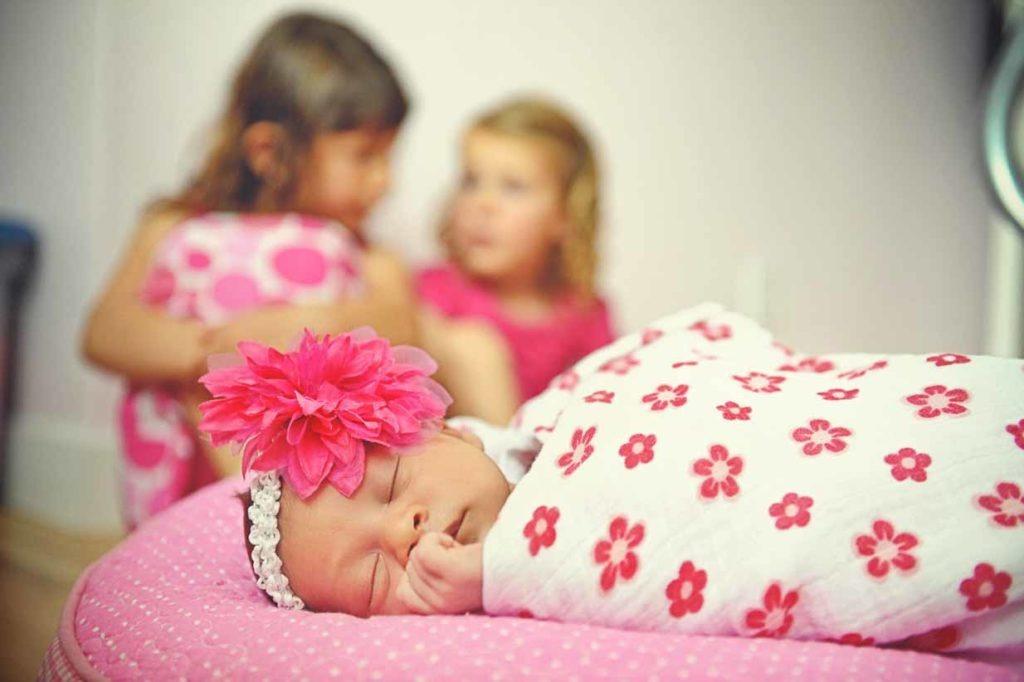 Newborn sister | Calgary Newborn Photographer | SLIVER Photography