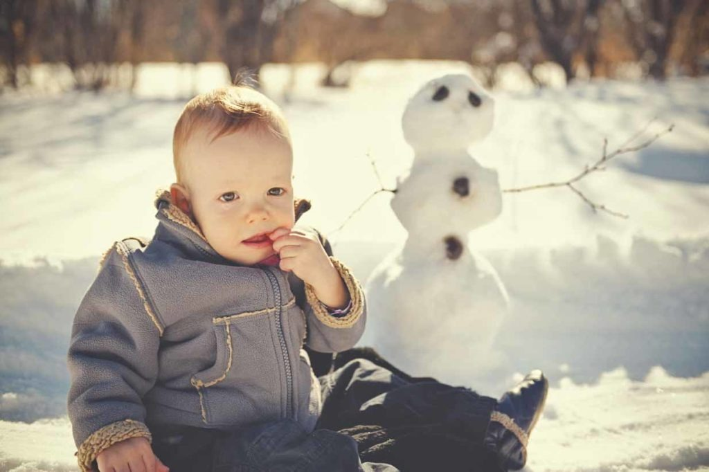 Newborn and snowman | Calgary Newborn Photographer | SLIVER Photography