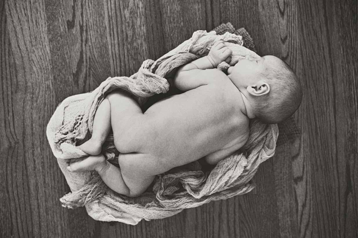 Baby bum | Calgary Newborn Photographer | SLIVER Photography
