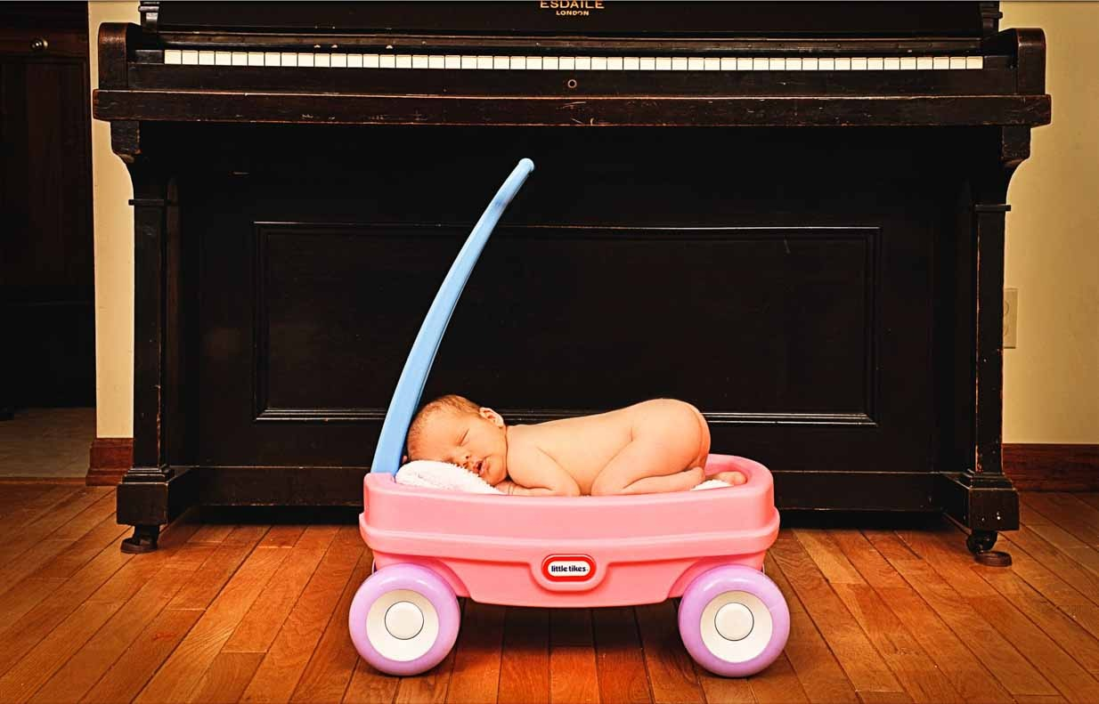 Baby in a wagon | Calgary Newborn Photographer | SLIVER Photography
