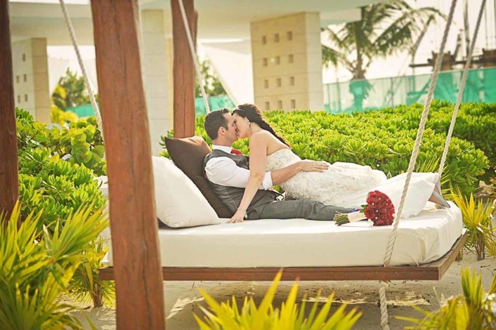 Hammock Kisses   Destination Wedding Photographer   SLIVER Photography