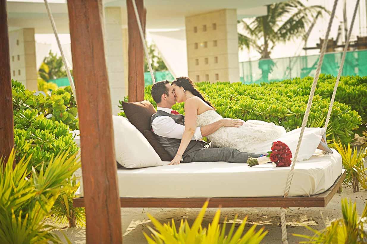 Hammock Kisses | Destination Wedding Photographer | SLIVER Photography