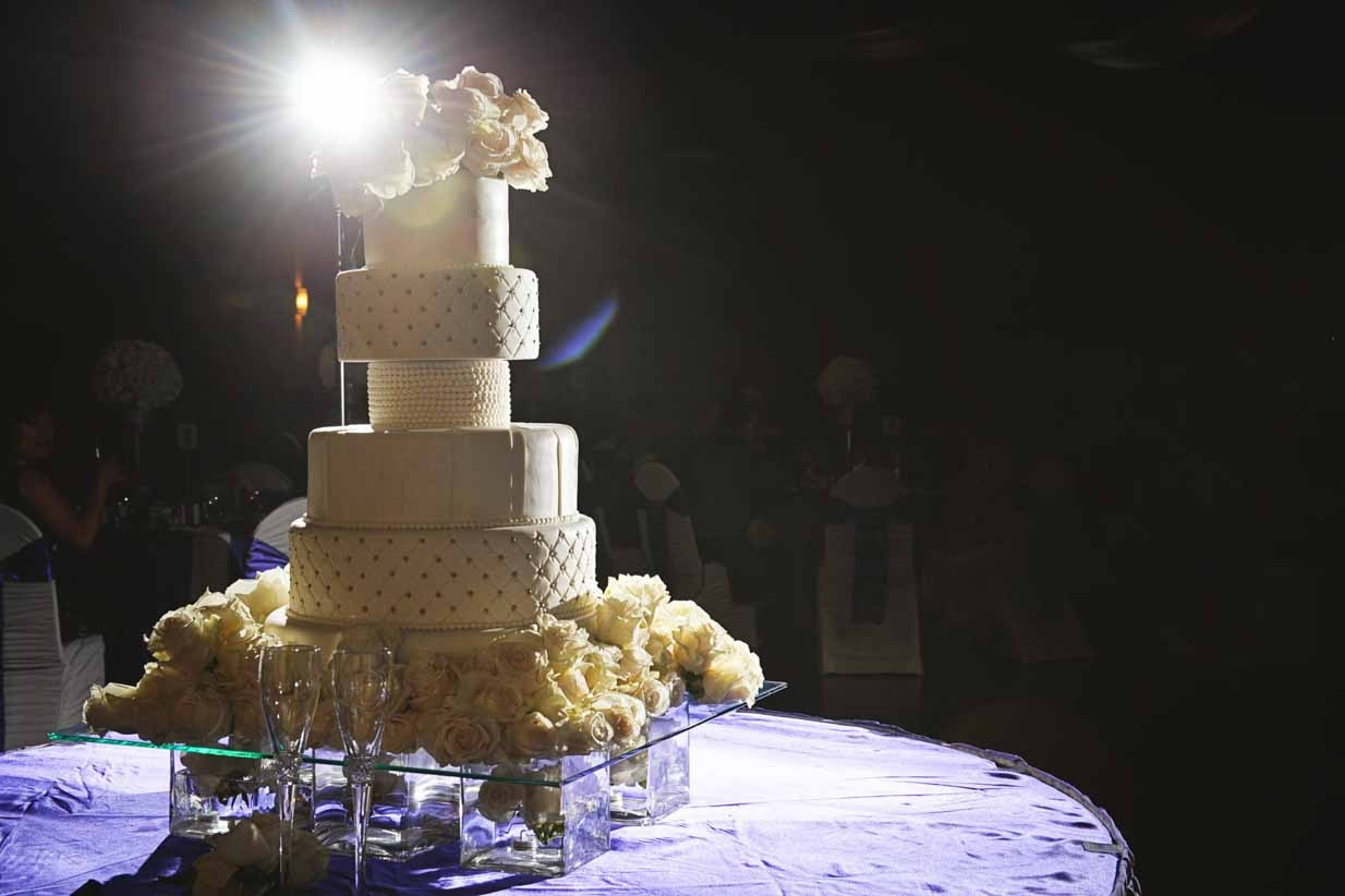 Wedding cake | Destination Wedding Photographer | SLIVER Photography