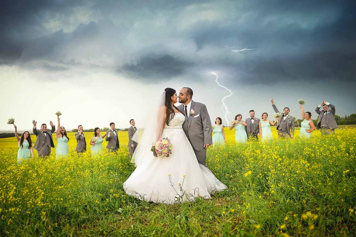 Lightning and wedding party | Destination Wedding Photographer | SLIVER Photography