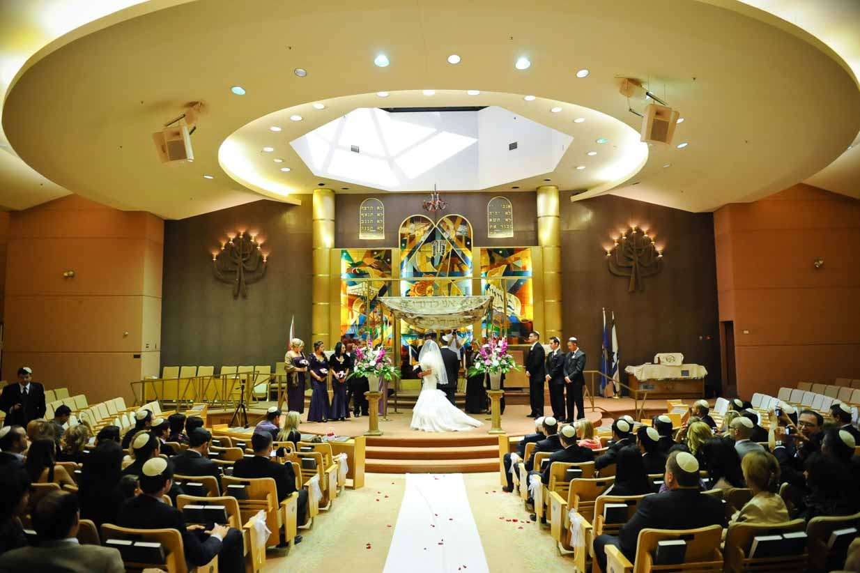Synagogue Wedding | Destination Wedding Photographer | SLIVER Photography