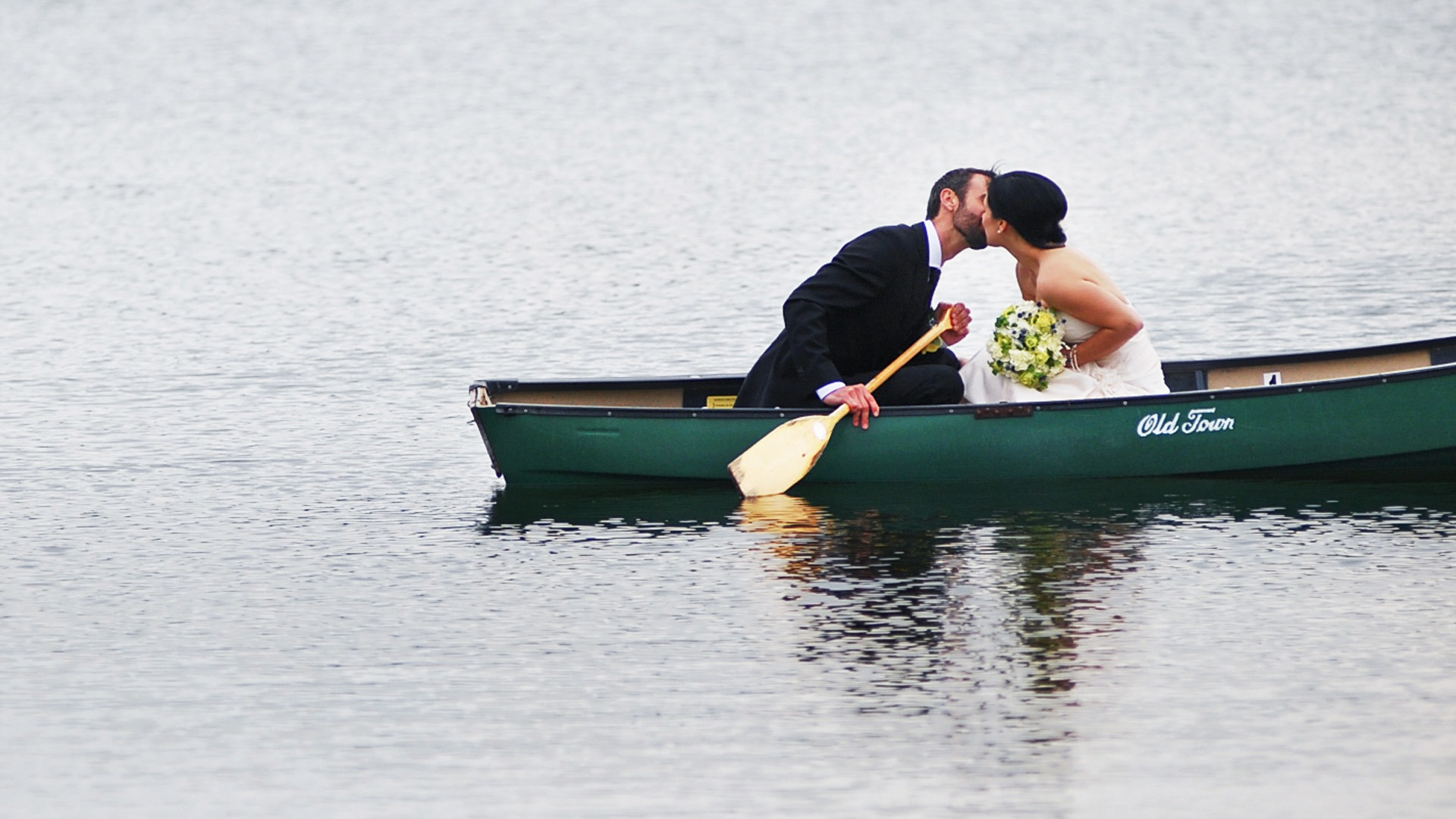 Destination Wedding Photographer | SlLIVER Photography | couple in a canoe